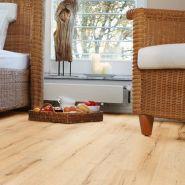 Eine-heller-PURLINE-Planke-im-Schlafzimmer